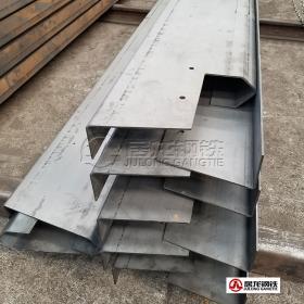 高强板上横梁激光下料折弯加工,材质700,厚度4mm。