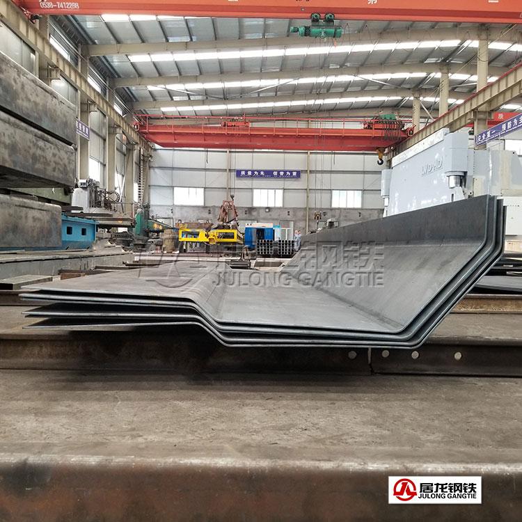 NM400耐磨板折弯加工,配套改装厂自卸车生产,冷弯成型整板折弯加工。