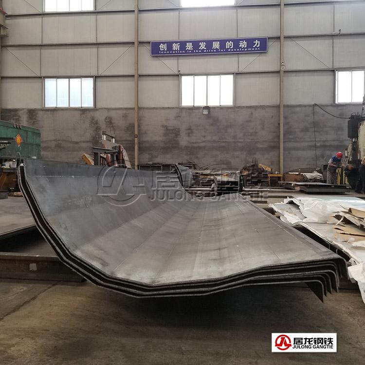 NM450耐磨板90度折弯加工,大批量配套改装厂自卸车生产。